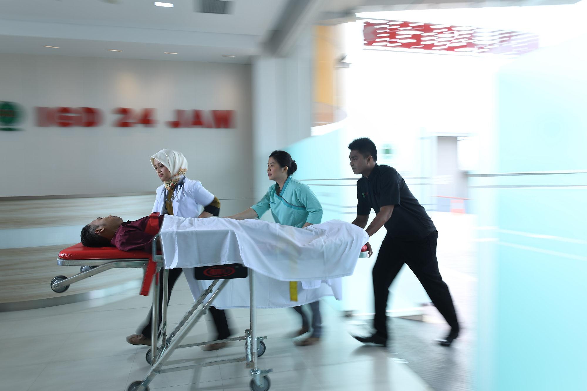 unit gawat darurat, rs awal bros, rumah sakit awal bros