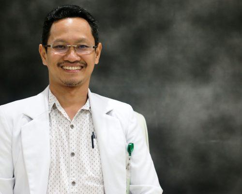 Pecahkan Batu Ginjal dengan tindakan ESWL (Extracorporeal Shock Wave Lithotripsy). dr. Muhammad Fitrah, Sp.U - Spesialis Bedah Urologi