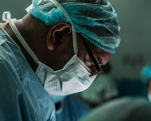 Mengenal penyakit batu empedu, RS Awal Bros Bekasi Barat, Aneurisma Aorta Abdominalis, kegawatdaruratan urologi