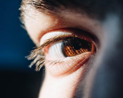 menjaga kesehatan mata, rumah sakit awal bros, dokter spesialis mata